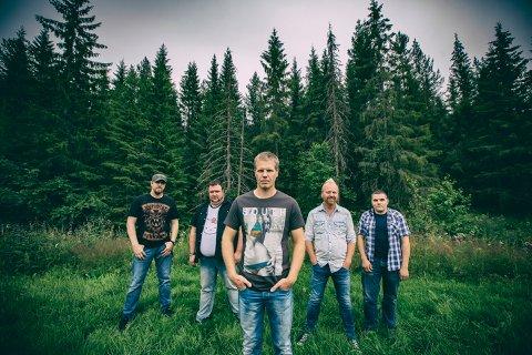 Gunslingers fra Hardanger spiller i Westernbyen i august 2017.