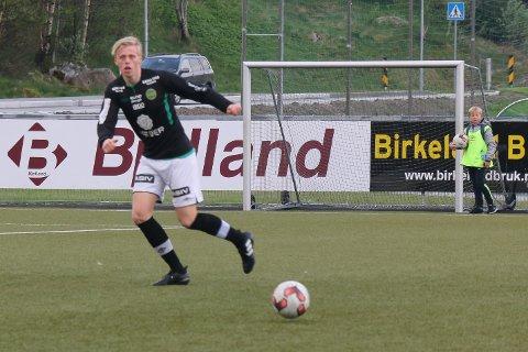 Alexander Viland (17) var god både med hode og bein mot Varhaug.