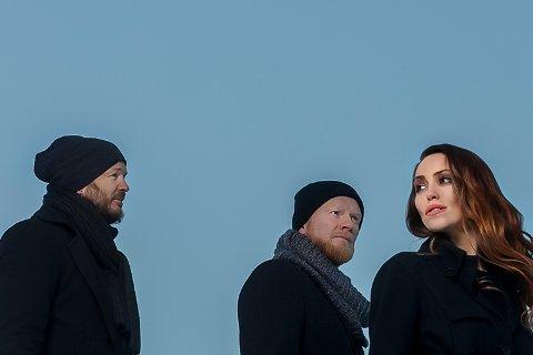 «Blåtoner» med Knut Anders Sørum, Lewi Bergrud og Elvira Nikolaisen kommer til Ålgård kirke.