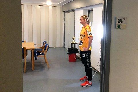 Stina Øen har tilbrakt det siste året i danske Gudme. Nå har hun bestemt seg for å reise hjem til Norge og Ålgård HK.