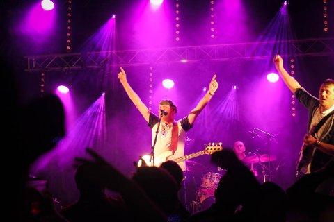 Åsmund Åmli Band under fjorårets opptreden på Countryfestivalen.