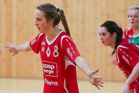 Pernille Eiane i Ålgård-drakt som 17-åring. Seks år seinere er hun tilbake i Gjesdalhallen.