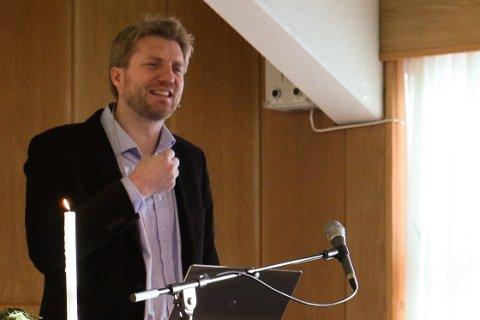 Om ein søker på Espen Ottosen på internett, får ein treff som vitnar om at han er ein aktiv samfunnsdebattant.