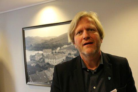 Ordfører Frode Fjeldsbø (Ap) sier at veien fram mot tunell til Forsand fremdeles er lang, men at tirsdagens vedtak i fylkestinget er et positivt steg.