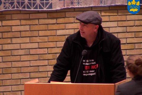 Jan Ove Sikveland fra Ålgård tok seg mandag opp på talerstolen under et bystyremøte i Stavanger. Hensikten var å demonstrere mot bompenger.