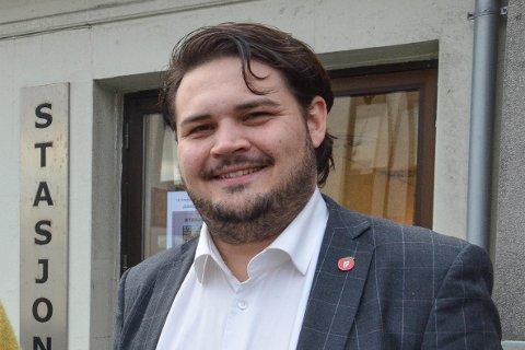 Kristoffer Birkedal avviser at det er aktuelt å busse barneskoleelever fra Sandved til Figgjo.