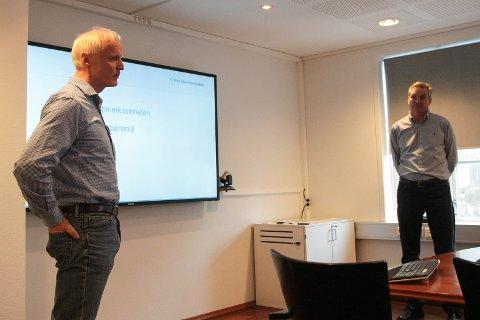 Pål Gjesdal (t.v) og Ottar Cato Olsen fra Gilja Vindkraftverk sier at de vurderer alle tilbakemeldinger de får, men må forholde seg til at de allerede har en konsesjon.