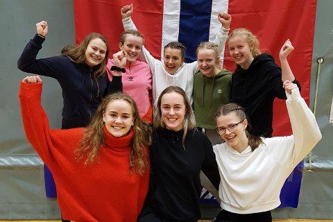 Flere Gjesdal-jenter var på laget som vant skolemesterskapet i volleyball i Bodø.