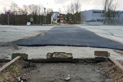 Denne planovergangen mellom Ålgårdbanen og Hoveveien på Ganddal ble fjernet i slutten av forrige uke.