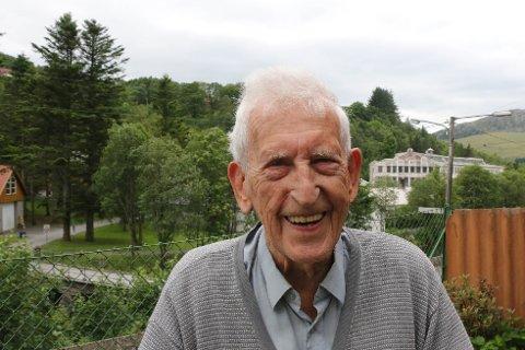 Olav Espeland jobbet som dreier hos Figgjo AS fra 1942 til 1992.