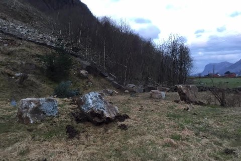 Då raset gjekk, var det mørkt. Då dagslyset kom, fekk Terje Gilja, næraste nabo til raset, sjå at raset hadde teke med seg fleire steinar enn han fyrst hadde trudd.