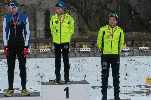 Figgjos Kevin Brekken Ramsfjell bommet ikke én gang på helgens to konkurranser, og slo Kristian Aasbø fra Gjerstad, til venstre, og lagkamerat Eivind Sporaland.