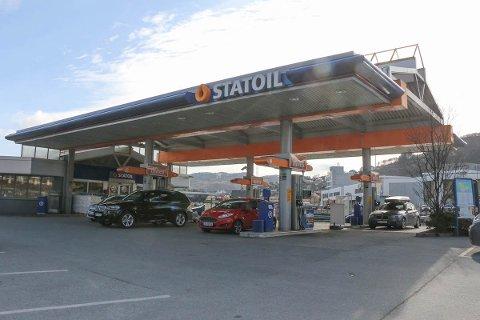 Natt til fredag stakk en bilist av uten å betale bensinregningen ved Statoil i Sandnesvegen.