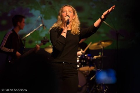 Marie Øvstebø er vokalist i bandet Trebbel. Onsdag 31. juli skal bandet holde en minikonsert i forbindelse med Blink Classics på Ålgård.