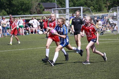 Stadig flere jenter ønsker å spille håndball på Ålgård. Her fra Uego cup i 2018.