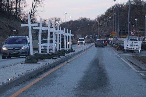 2016: Torsdag den 7. januar i 2016 ble trafikkofrenes dag markert på Ålgård, det er ikke tilfellet i år.