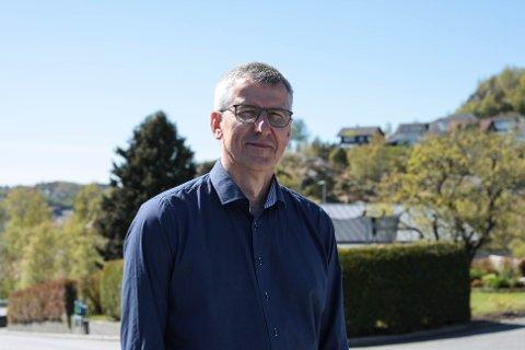 Økonomisjef Bjarte Madland legger fram budsjettet for politikerne i Gjesdal mandag kveld.