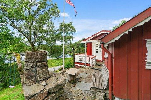 Denne hytta i Sikvalandsvegen ble solgt for nesten en halv million kroner over prisantydning.