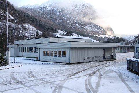 Elever på Dirdal skole kan komme til å måtte gå på skole i Oltedal i framtiden.