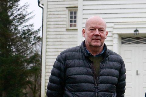 Kirkeverge Tor Helge Køhn synes det er kjempedumt at konfirmantene ikke får dra på leir til helgen, men tror det er den rette avgjørelsen.