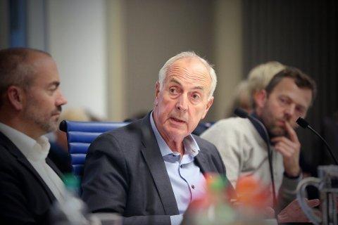 Sandnes-ordfører Stanley Wirak (Ap) er oppbrakt etter å ha fått forelagt et ytterligere underskudd på en halv milliard kroner under et Microsoft Teams-møte i styringsgruppa for Bymiljøpakke Nord-Jæren. Her er han fotografert under et møte i november 2019.