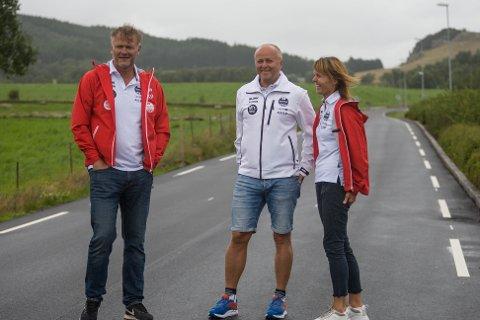Sportssjef Arne Idland (til venstre), prosjektleder for Blink Classics, Terje Tjetland og dugnadsansvarlig Marianne Bergset Tjetland gleder seg til Blinkfestivalen, selv om den i år kommer i en helt annen utgave enn før.