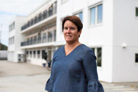 På det som er hennes siste arbeidsdag, innfører kommunalsjef Lillian Ydstebø og Gjesdal kommune nye rutiner for å unngå smittespredning på institusjoner som Solåsheimen.