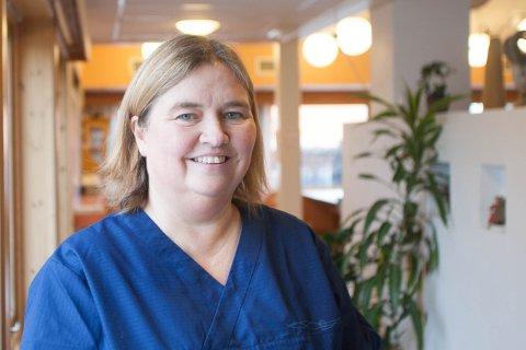 Vaksinekoordinator Gølin Tveit ber alle som ikke ennå har fått førstedose om å komme innom Heradshuset denne uka.