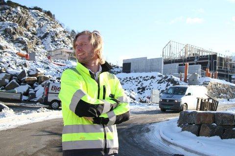 Svein Olav Aalgaard i Aalgaard bygg har solgt sin første hytte på Sinnes i Sirdal.