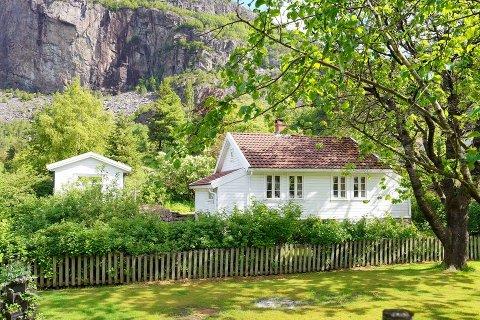 Denne hytta på Gilja er en av fem til salgs i Gjesdal i skrivende stund.