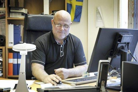 Mange spørsmål: Lennart Sandelien ved Grensetjenesten på Morokulien. bilder: Ole-Johnny Myhrvold