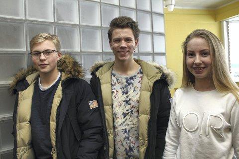 BRA FORSLAG: Sander Taihaugen, Daniel Krogsæter og Hanna Opås Stensbøl har ikke noe imot forbud mot å kjøpe røyk eller snus.