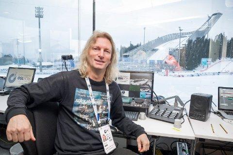 Erik Marthinsen (55) fra Kongsvinger har ansvaret for arenaproduksjonen på verdenscupen i langrenn i Falun til helga. Han har fått dokumenter slik at han har innreisetillatelse. Her er han under VM Skiskyting Oslo 2016 i Holmenkollen.