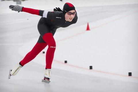 GULLJENTE 1: Sarah Marie Sanderud tok gull på 500 meter i jentenes 12-årsklasse i Landsmesterskapet.