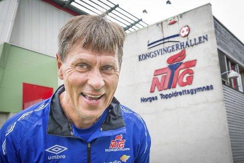 GODT FORNØYD: Daglig leder og sportsdirektør ved NTG Kongsvinger, Åge Steen, har all grunn til å være fornøyd med interessen for å begynne ved den nye, private ungdomsskolen til høsten. FOTO: JENS HAUGEN