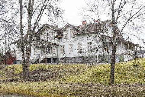 AUKSJON: Stiftelsen Nor har ifølge Jan W. Schüssler brukt 23 millioner på å oppgradere huset siden 2010. Til helgen blir det auksjon med salg av mye av inventaret.FOTO: JENS HAUGEN