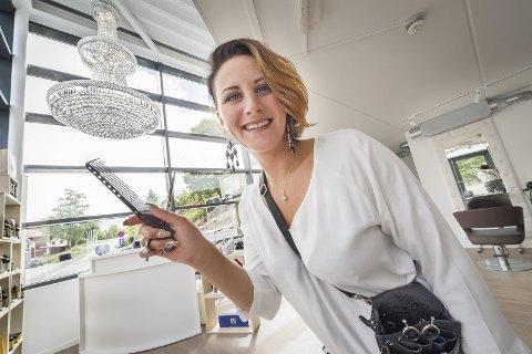 LA NED SAKSA: I april forsto Jeanette Charlotte Holtet at hun hadde tatt på seg for mye jobb med Bello Salong. Konseptet ble en suksess med mange kunder, men nå vil hun prioritere mer tid med datteren.