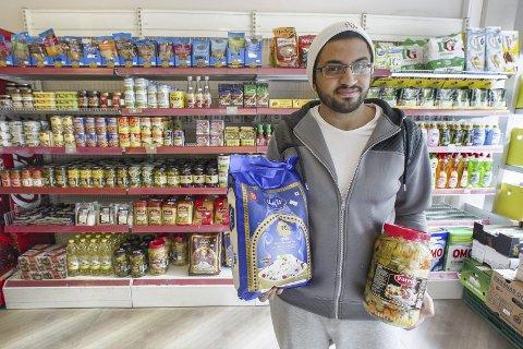 Nyåpnet: Ali Almaleki håper å gjøre kariere som kjøpmann i Kongsvinger og tar deg gjerne med på en kulinarisk vandring blant sine eksotiske varer.