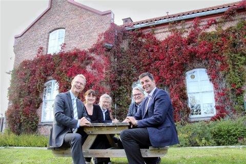 BUDSJETTET:  Tor André Johnsen (t.v.), Eli Wathne, Sjur Strand, Johan Aas og Gunnar Gundersen.