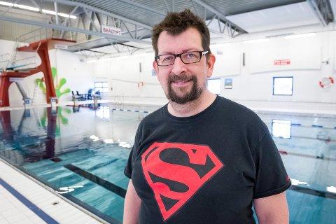 SØKER: Leder i Kongsvinger svømmeklubb, Lars Ovlien, søker daglig leder i en 50%-stilling.