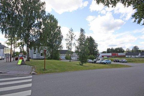 HELSEHUS: Sandermoen Eiendom har kjøpt denne tomten på Kirkenær, og ønsker å bygge helsehus.