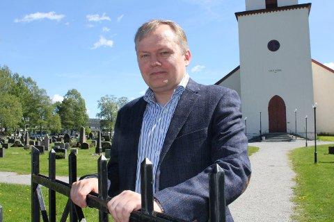 SLUTTER: Kirkeverge Frank Steinsvik har sagt opp i Grue, og flytter til Fagernes.