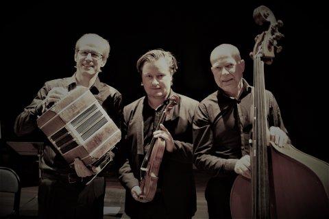 TANGO:  Per Arne Glorvigen, Bjarne Magnus Jensen og Steinar Haugerud spiller i  Fjøset på  Sønsterud søndag.