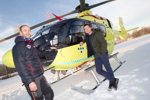 Norsk Luftamulanse kan snart lande ved Kongsvinger sjukehus i tåke og dårligere vær. Det har disse to pilotene nå testet. Fra venstre Bendik Johansen og prosjektleder Lars Magne Amdal.