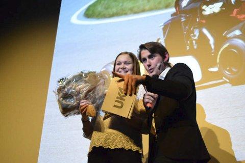 Kulturstipendet: ble tildelt Eline Vig for Go-kart prestasjoner nasjonalt og internasjonalt. Joachim Engebakken går videre som konferansier.