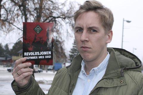 ALVOR: Kristian Botten Pedersen synes det er viktig å reagere med alvor på at nasistisk propaganda distribueres på Flisa.