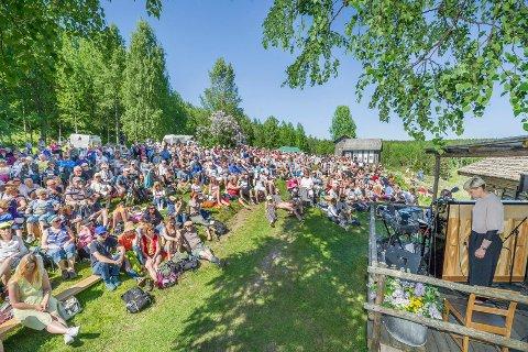 """Søndag er det """"Junikveld"""" på Oppistun Børli. Her fra fjoråret med Frida Ånnevik som en av gjestene."""
