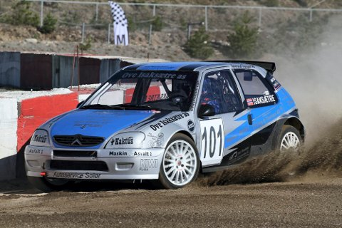 TIL TOPPS: Espen Isaksætre vant den andre NM-runden i rallycross i klassen for motorer inntil 1600 ccm.