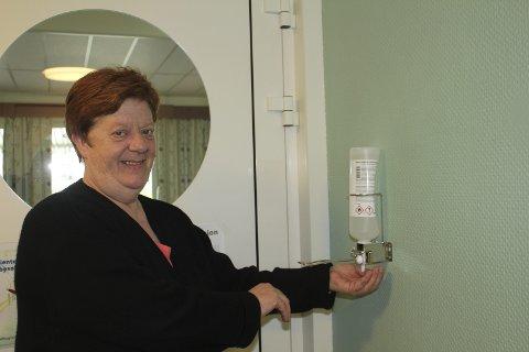 Smittevern: Ragni Skogrand er smittevernrådgiver og hygienesykepleier i Grue. Nå trår hun til med en fagdag, og har nærmere 90 påmeldte. Foto: Kenneth Mellem
