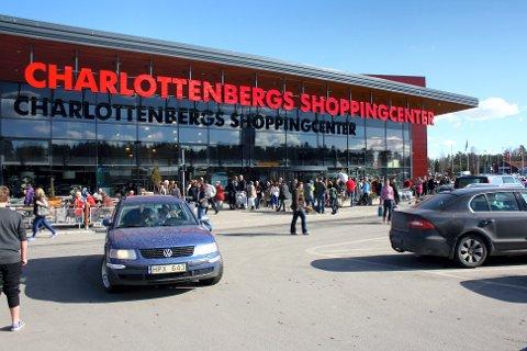 MOTORSHOW: Charlottenbergs shoppingsenter og Eda-treffen sørger for motorbrøl og underholdning lørdag.
